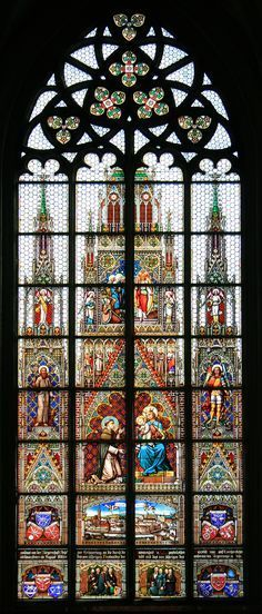 Fenster im Altarraum der Steyrer Stadtpfarrkirche. Ausführendes Unternehmen war Carl Geyling's Erben in Wien | Window in the altar area of the city pastoral church in Steyr. Bild: Christoph Waghubinger (Lewenstein) / Glasmalerei: Carl Geyling's Erben