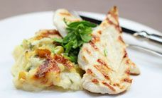 Oven bakes are an easy dinner recipe for busy families. Try this healthy bake recipe of chicken breast, cauliflower and creamy sauce.