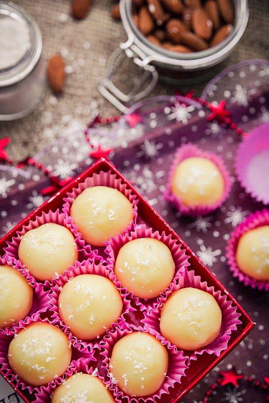 pieprz czy wanilia fotografia i kulinaria: Trufelki kokosowo – migdałowe (poświątecznie)