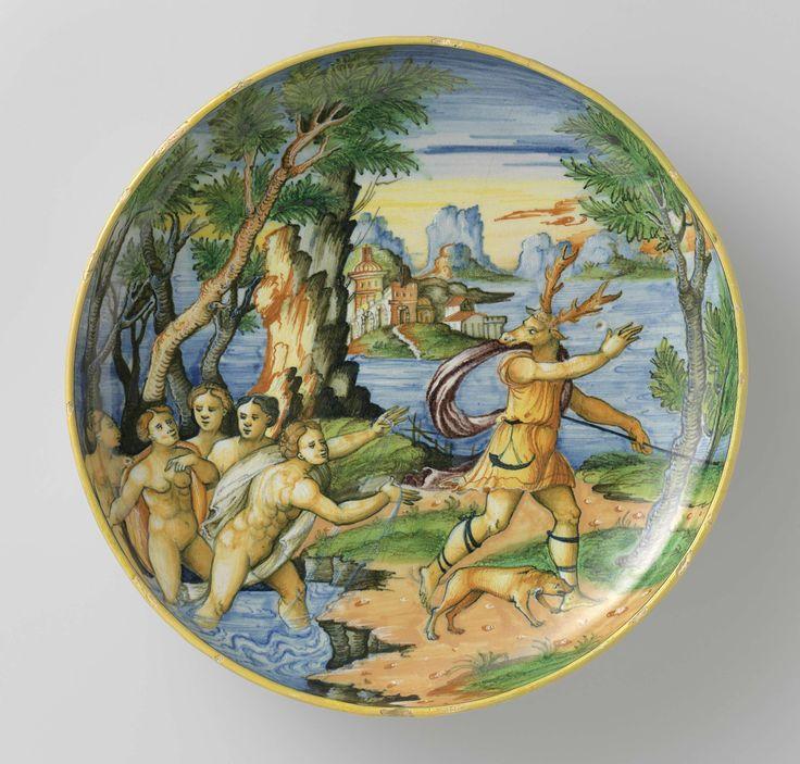 Schotel, veelkleurig beschilderd met Actaeon en Diana en tekst: ATEON CONVERSO IN CERVO., anoniem, 1540