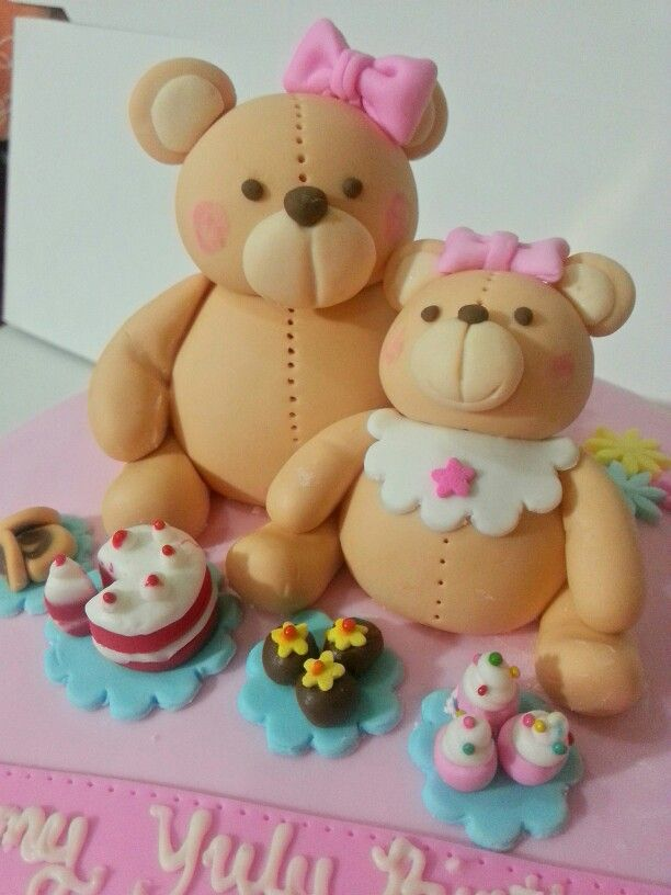 Teddy mommy and teddy daughter cake topper by the breadsmith. All edible