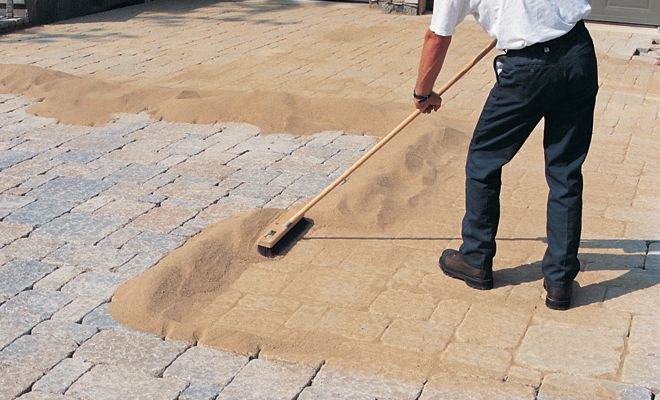 Learn the advantages of polymeric sand for brick pavers in for Home depot patio installation