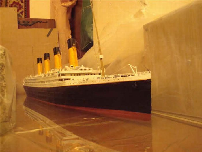 Remote Controlled Paper Titanic Model
