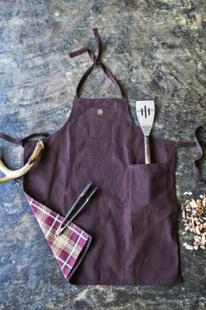 {NEW} Waxed Canvas Collection | Men's Grilling Apron | #FathersDay #Dad #Gift