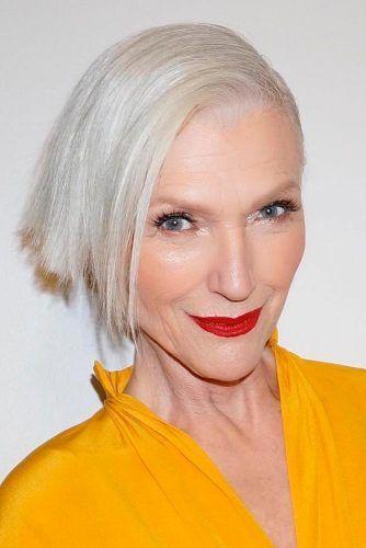 ältere Dame mit kurzen Haaren rasierte eine Seite – Google-Suche