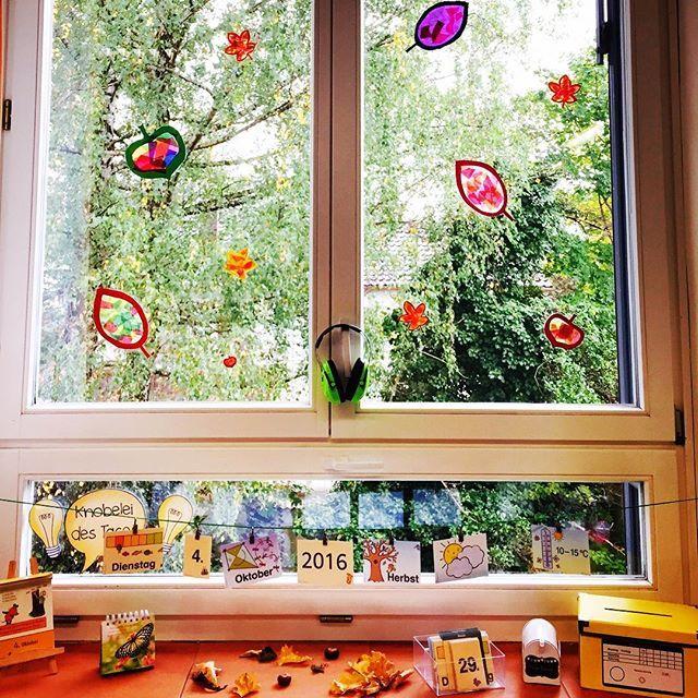 13 besten spinnen bilder auf pinterest grundschulen basteln und kunstunterricht - Fensterdeko klassenzimmer ...