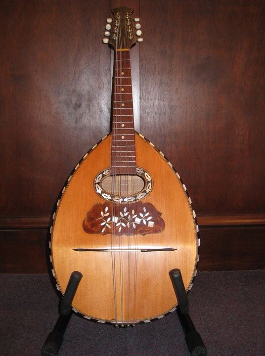 Italian mandola circa 1900. Bought in Kiev then taken to China by White Russians. Arrived with Russian refugees in NZ in the 60's. Restored by Steve Barkman in Dunedin.