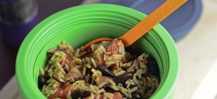 Brown rice with bacon, red beans and tomatoes