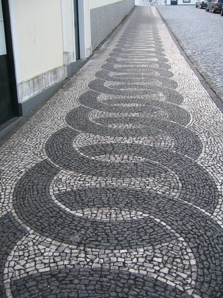 Faial sidewalks