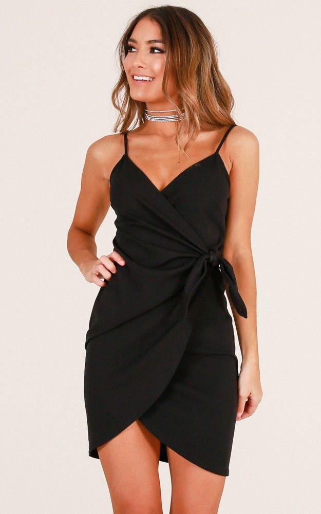 Kruvaze Elbise Modelleri Siyah Kisa Ip Askili Sade Sik Gece Kiyafetleri Elbise Modelleri Elbise