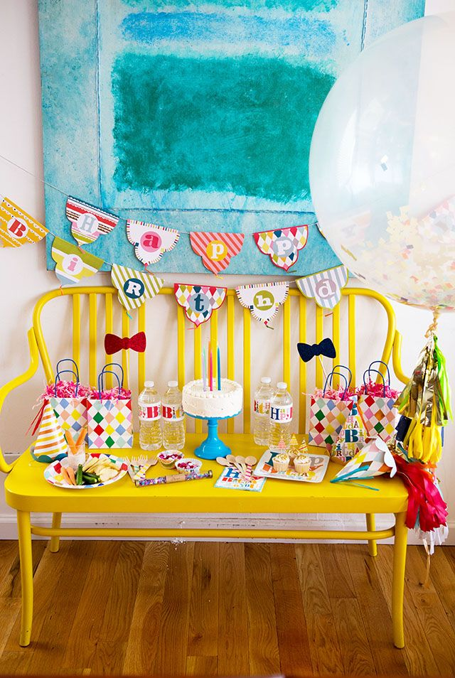 Our Birthday Party in a Box is a one-stop shop for the perfect Birthday  Celebration. From confetti wands to hand-stamped bamboo cutlery, we  carefully selected each and every item ourselves to ensure the perfect  party. So, sit back and enjoy entertaining with our gender-neutral rainbow  collection.  An LMP Party Blueprint with suggested set up and styling tips will also be  included in your box.  Party for 16.