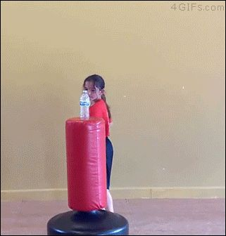 Pirralha ninja da garrafinha