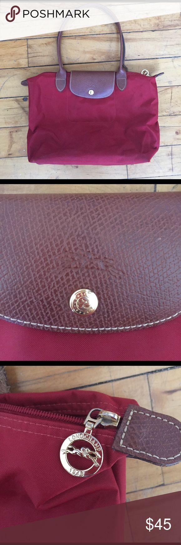 Longchamp medium size bag! Longchamp purse in great condition. Medium size Longchamp Bags Totes