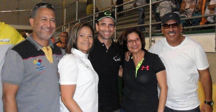 Operación Juguetes #2015 .@hcapriles .@mirandacomunal .@adrianadelia .@DeportesMiranda .@jhonyfernadez .@NenaVillafranca .@lauracompleta