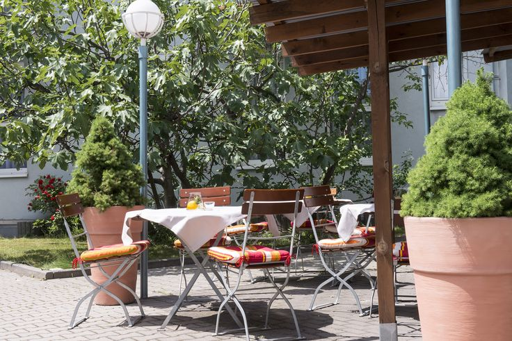 In the heart of Mannheim, an important business and university city between Frankfurt am Main and Stuttgart, lies the Best Western Hotel Mannheim City. Year upon year, the city continues to attract more and more business travellers, students and tourists.