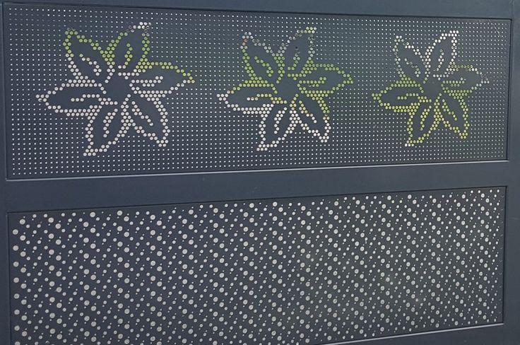 portail fleur acianov creation perforation decorative2