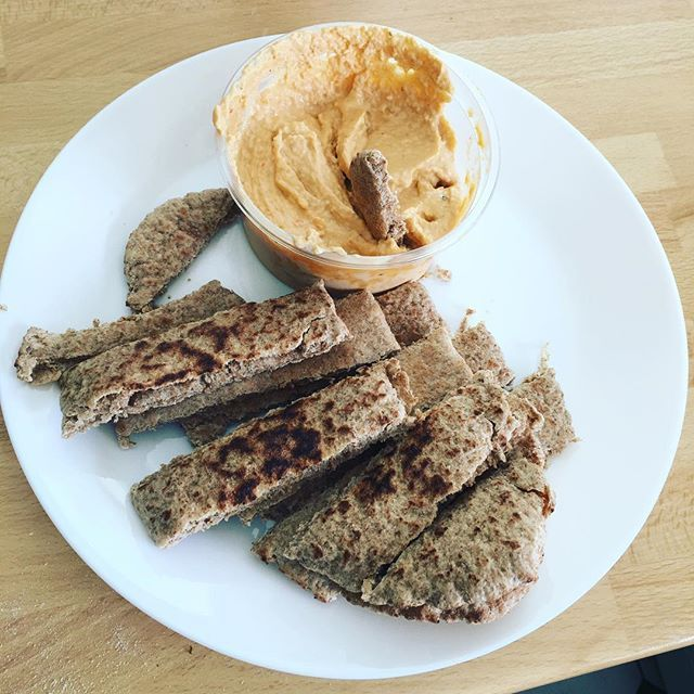 Lunchtime 😀 Wholegrain pitta with red pepper houmous.  #lunch #lunchtime #healthy #yum #food #foodporn #meal  #mealprep #5minutelunches #easy #easyfood #instagram #instagood #photooftheday #beautiful #happy #picoftheday #instadaily #inspire #positivequotes #NewDay #newbridge #planning #goals #ireland #irish #kildare #think #life