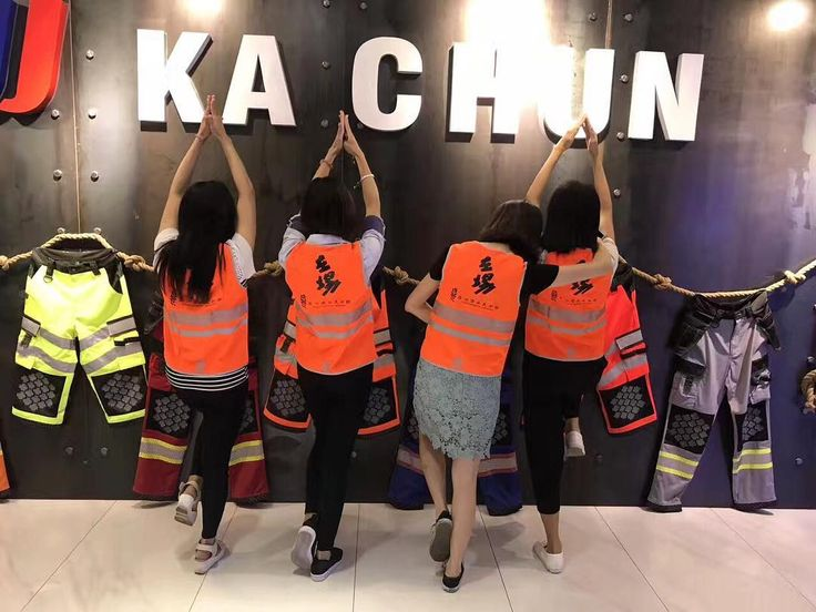 Led light safety vest highly recommend on the market @kachun_monica  to get standard garment with wholesale price   Colour: Hi-Vis lime/ orange Fabric: 100% polyester  __________________________ For inquiries WhatsApp/iMessage: 86 183 4440 7603 : monica19910914@gmail.com Website: www.kachun.com.cn  __________________________  #amazon #safetyfirst #safety #alatsafety #coverall #vest #roadbike #rompiproyek #mountainbike #reflectivetape #workvest #freeshipping #raincoat #limeman #fireworks…