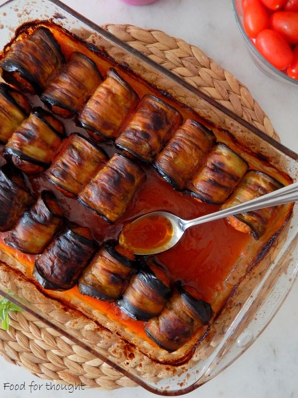 Ρολάκια μελιτζάνας με κιμά. http://laxtaristessyntages.blogspot.gr/2015/08/rola-melitzanas-me-kima.html