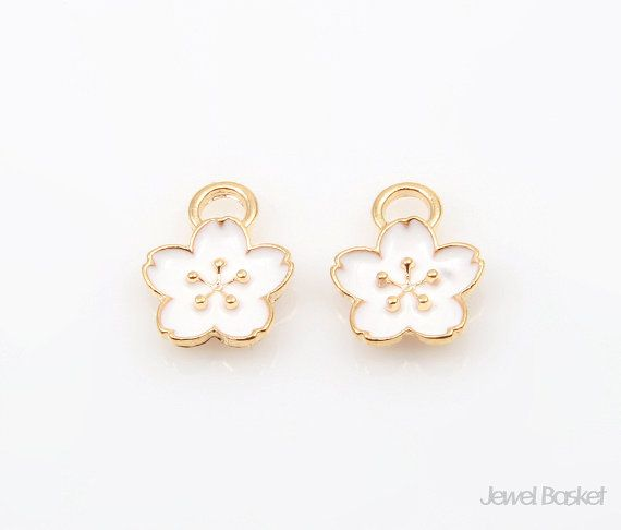 White Peony in Gold / 9.0mm x 11.0mm / BWHG209-P (4pcs)  - Gold Plated (Tarnish Resistant) - Brass / 9.0mm x 11.0mm  - 4pcs / 1pack