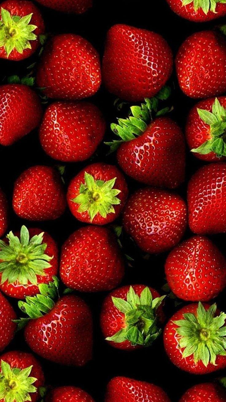 Download Fresh Strawberries Lockscreen iPhone 6 Plus HD Wallpaper
