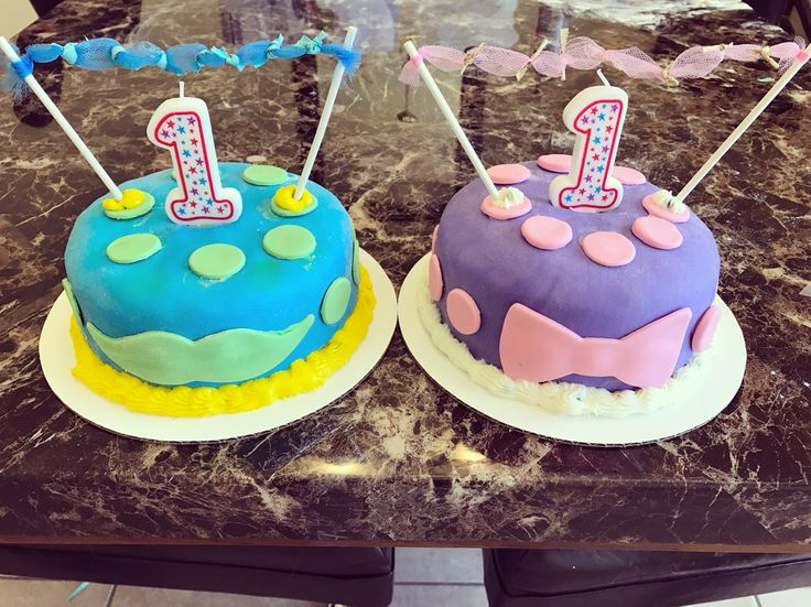 Made twin 1st year smash cakes! First time ever 💙💜 #smashcakes #first #birthday #smash #cake #twinsmashcakes