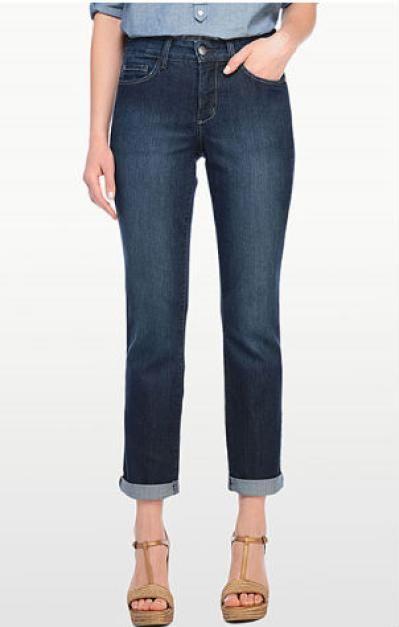 The Best Boyfriend Jeans for Your Body Type: Straight Boyfriend Jeans for Fuller Legs
