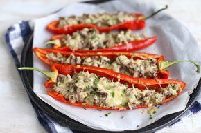 We gaan je vandaag laten zien hoe je deze gevulde puntpaprika's met gehakt en roomkaas kunt maken. Het recept is super simpel en staat in ongeveer 15 minuten in de oven. Je kunt de gevulde puntpaprika's serveren met bijvoorbeeld aardappeltjes of rijst. Kun jij wel een hulpje in de keuken gebruiken? Nou wij wel! Wist...Lees Meer »