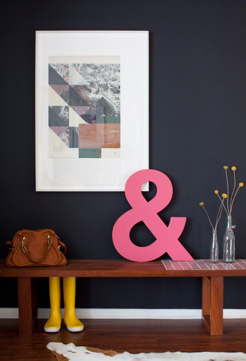 Chalkboard wall and bright pinkDecor, Wall Colors, Front Doors, Pink, Front Entrance, Entryway, Black Wall, Dark Wall, Wall Design