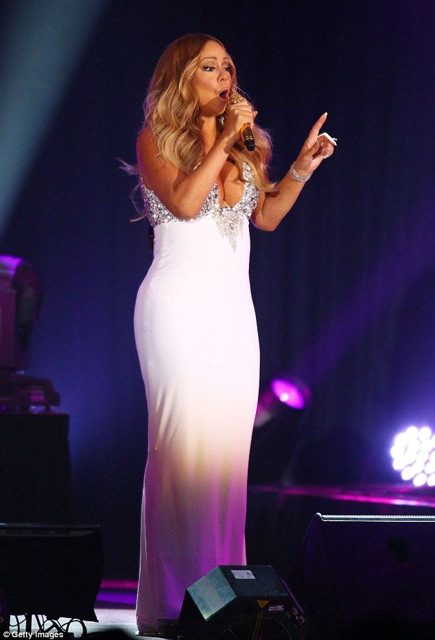 Showing off for her man! Mariah Carey took to the stage on Thursday night to perform a spe...
