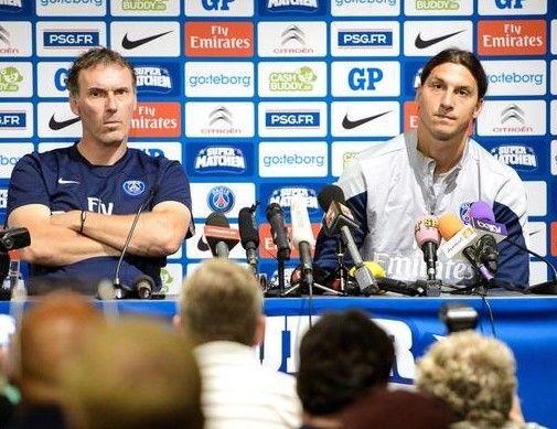 Zlatan, l'épaule de Laurent Blanc au PSG - http://www.europafoot.com/zlatan-lepaule-de-laurent-blanc-au-psg/