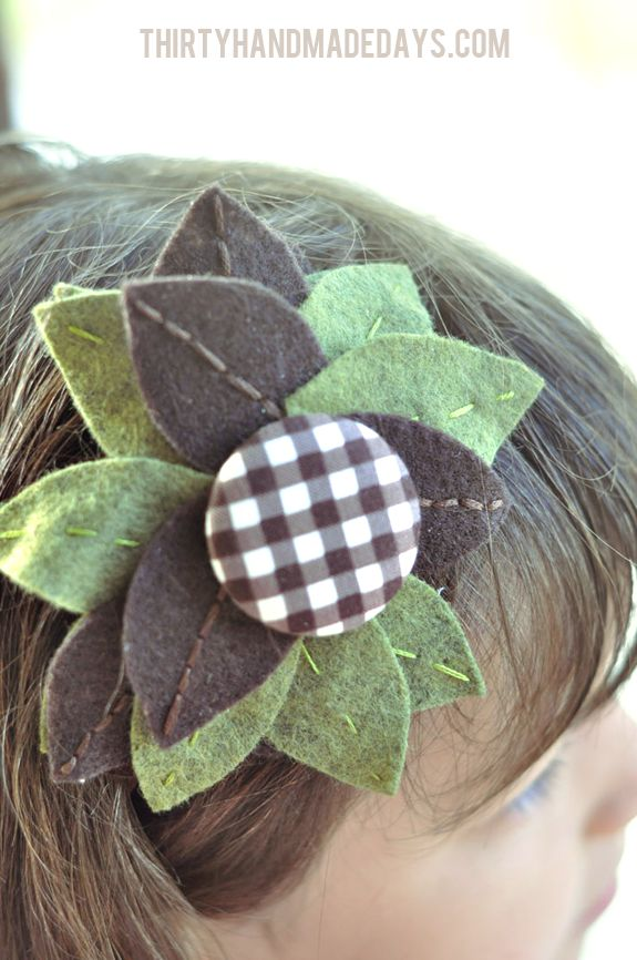 A simple leaves headband tutorial perfect for fall. Using embroidery and a glue gun, this project is super quick.