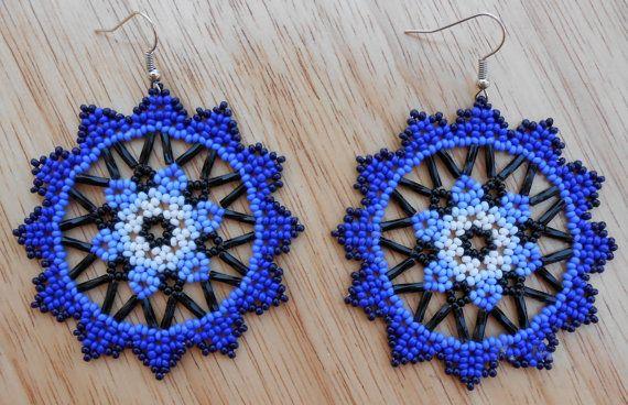 Handmade Blue Medallion Beaded Earrings by MiCasitaDeChaquira
