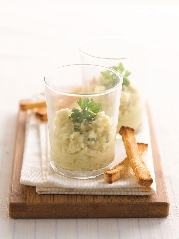 Een overheerlijke aardappelbrandade met gerookte sprot en knapperige korstjes, die maak je met dit recept. Smakelijk!