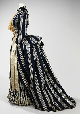Walking dress, House of Worth, c. 1885, French. Metropolitan Museum of Art. More bustle info: http://twonerdyhistorygirls.blogspot.com/2013/05/the-fashionable-bustle-c-1885.html