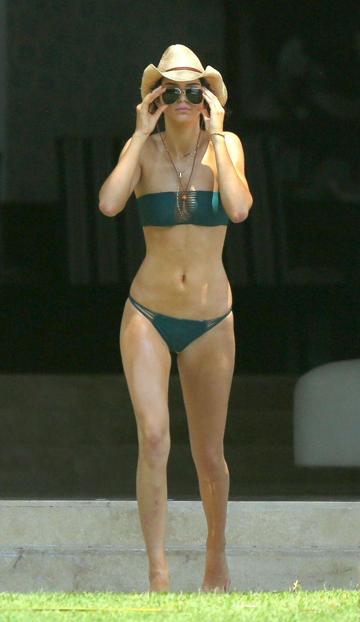 Kendall Jenner Rockin' That Thong Bikini in Mexico ...