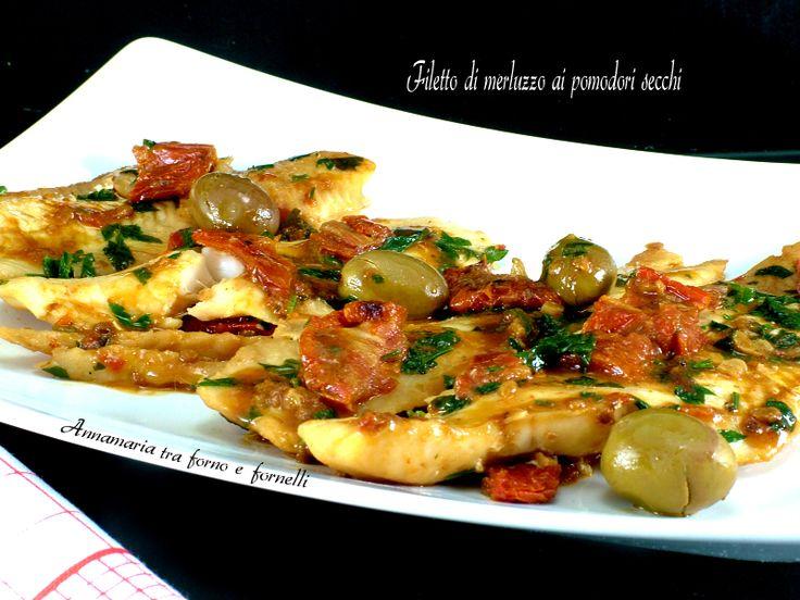Il filetto di merluzzo ai pomodori secchi è un secondo piatto a base di pesce, gustoso e molto facile e veloce da preparare.