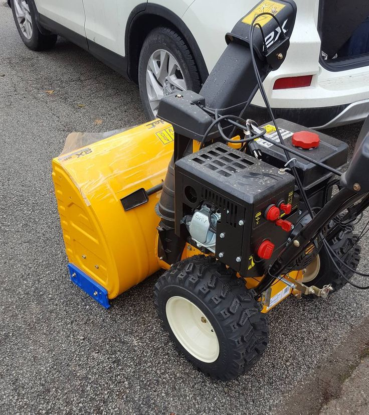 Cub Cadet 2X - Don't see many of cadet snowblowers now mowers on the other hand..  . . @cubcadet_canada . . . #etobicoke #mississauga #portcredit #mimico #oakville #lakeshore #mower #snowblower #smallengine #honda #toro #snowblower #repairs #mechanic #cubcadet  #mobileservice #snowblowertip #oilchange #mowfix
