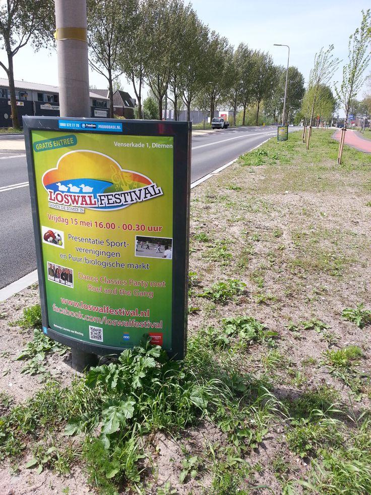 A0 Posters langs de weg in Diemen, voor het loswal festival. En niet één, maar een paar op rij, lekker opvallend.