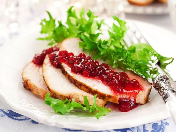 . Recette idéale pour un repas de l'Action de Grâce ou de Noël différent et traditionnel à la fois, et aussi beaucoup moins stressante que de cuire l'oiseau entier! Par ailleurs, l'étape de saumurage rend la dinde plus moelleuse et goûteuse.