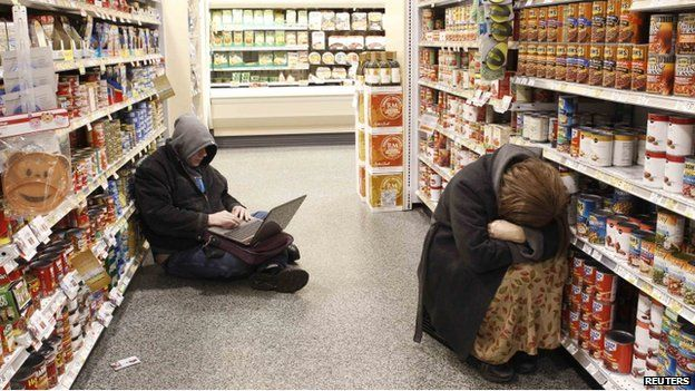 People sheltered in an Atlanta grocery store during a snow storm
