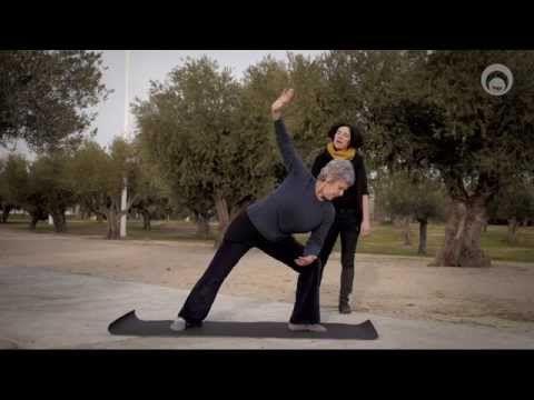 Yoga pour les cervicales - YouTube