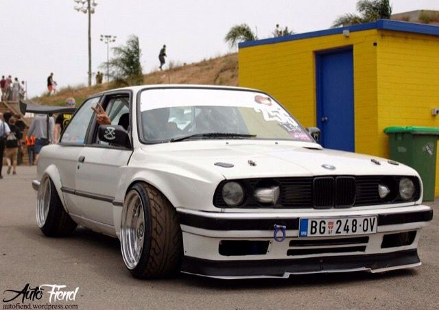 Lowered e30's