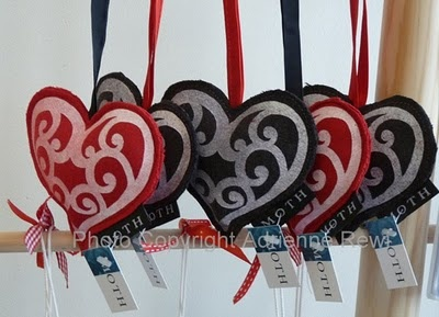 Maori themed Christmas decorations as favors