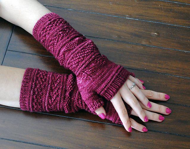 Ravelry: Gansey Wristers pattern by Kalliopi Aronis