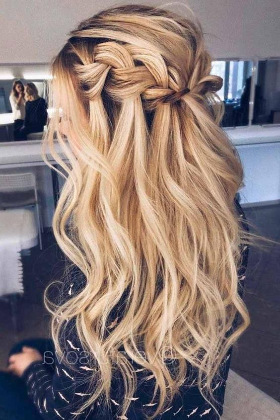 The best ball hairstyles, whether you are stuck or half-open, you can find them here. #haar # hairstyles #hairsalon #ball hairstyles #besten