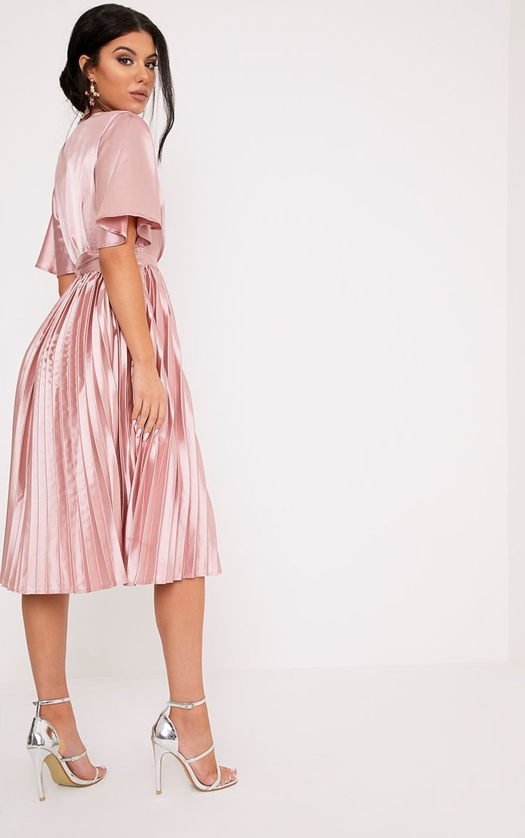 Dusty Pink Satin Pleated Midi DressWork it in this midi dress. Featuring a bang on trend v neckli...