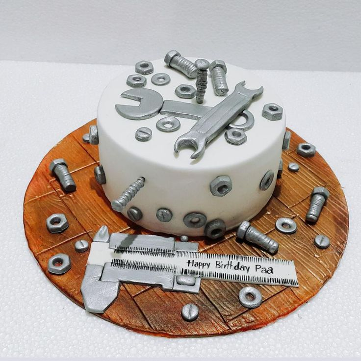 Cake Decorating Ideas With Nuts : 25+ best ideas about Tool cake on Pinterest Tool box cake, Toolbox with tools and Yummy cakes