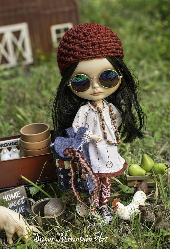 Bug v červnu.  Halena šaty, Summertime Capri, Ponožky, batoh s Books, Háčkované Cap, Artist Journal a mír kuličky Blythe Girls