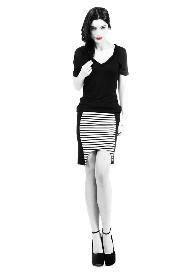 codentry & Merve BOLUĞUR Etek Markafoni'de 49,90 TL yerine 24,99 TL! Satın almak için: http://www.markafoni.com/product/5073957/ #moda #mervebolugur #gothic #stil #siyah #trend #look #markafoni #fashion #celebrity #stylish #style #photoshoot